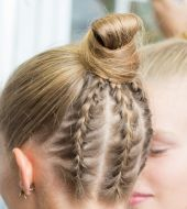 Mini braids to dress up a chignon