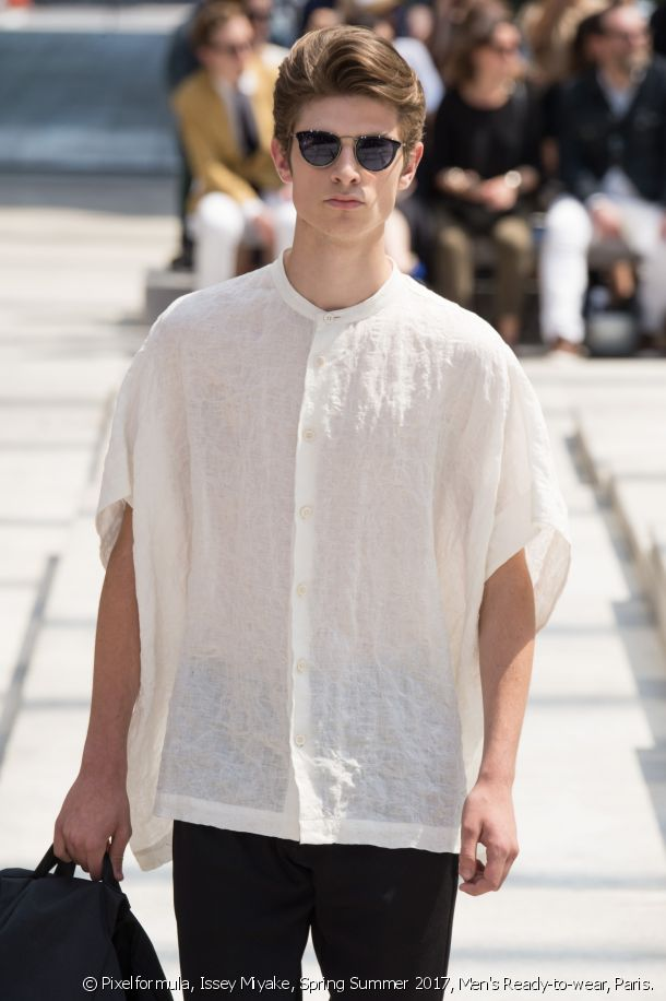 Casual 80's style at the Issey Miyake Men's Spring-Summer 2017 fashion show