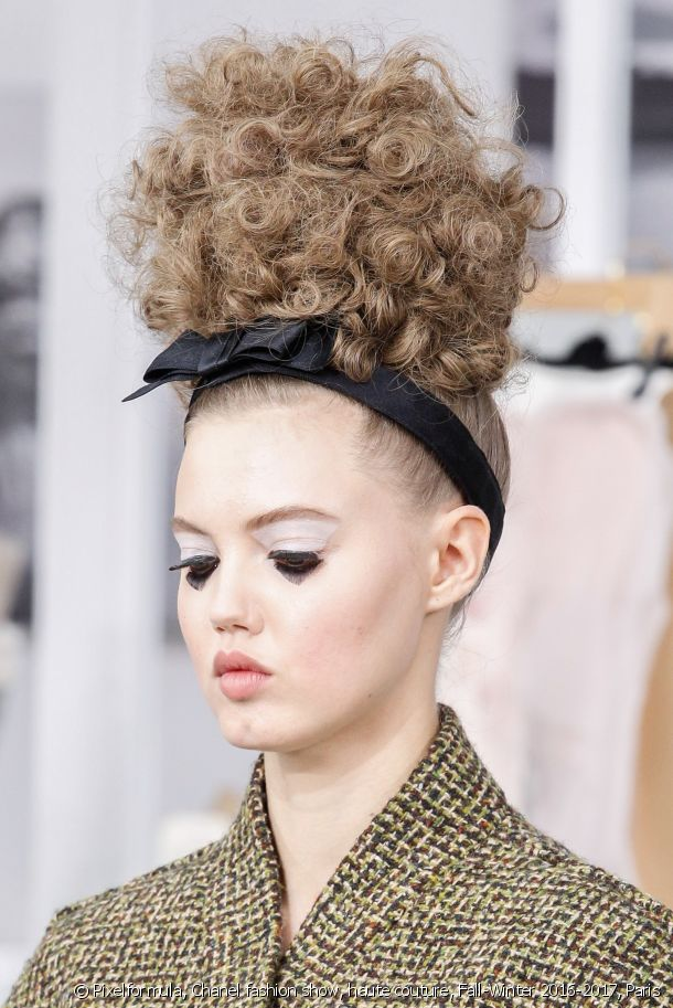 Top knot and bow headband for the Chanel Fall 2016 Fashion Show