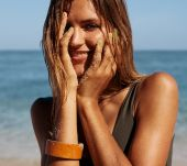 A weekend at the seaside: coloured hair treatments to take with you