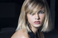 For the Spring-Summer 2018 season, the innocent-looking blonde bob is transformed into a more seductive hairstyle than ever before.
